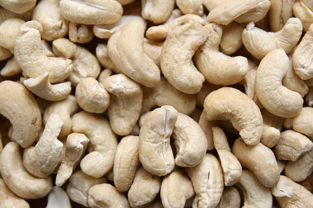What happens if you eat cashews everyday