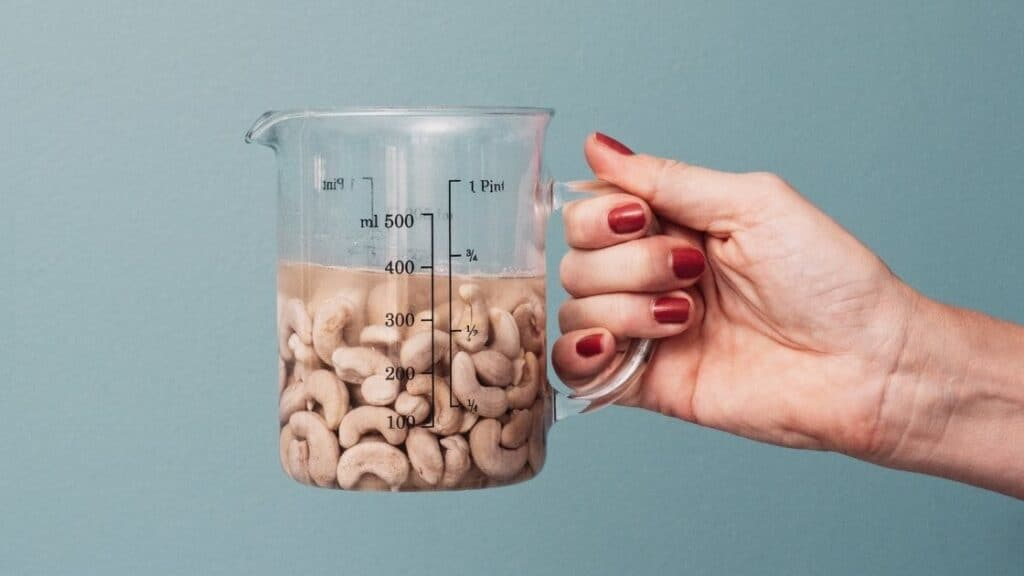 How To Soak Cashew Nuts Quickly