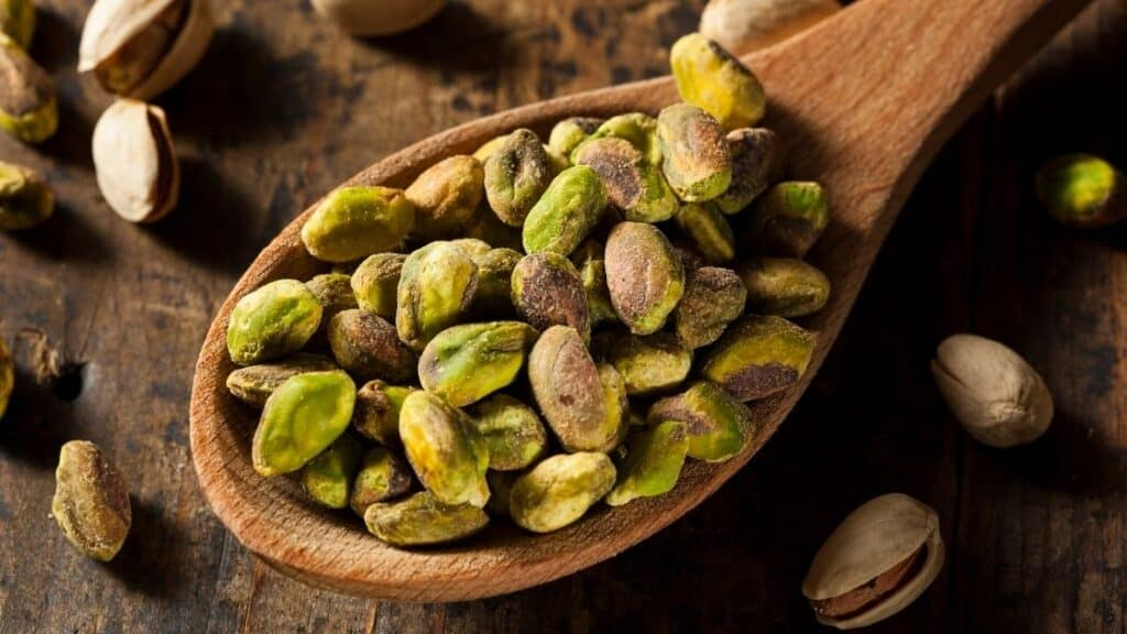 What Quantity of Nuts To Eat Daily