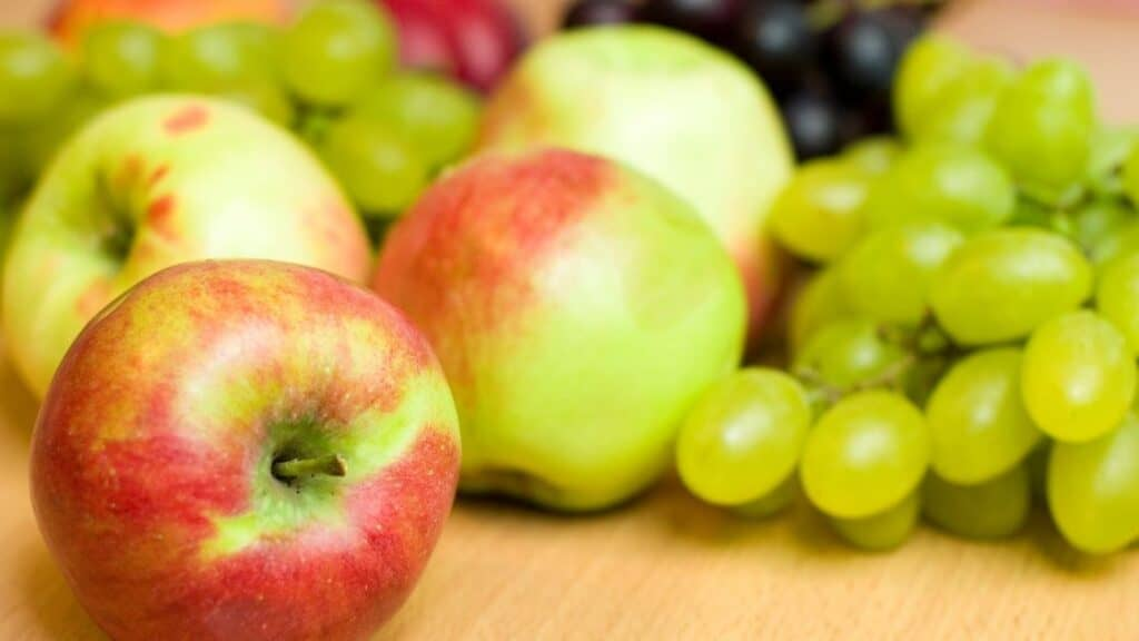 Which Fruits Should Be Refrigerated