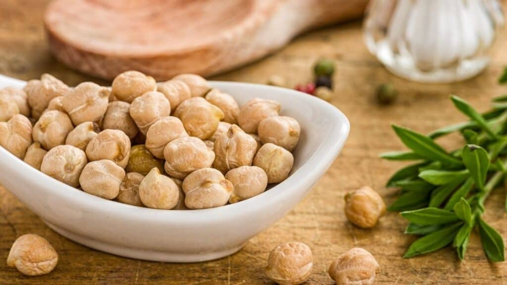 Do chickpeas have as much protein as meat