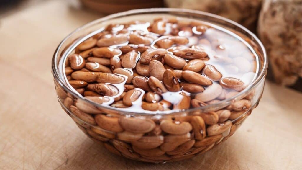 Do soaking beans cause less gas