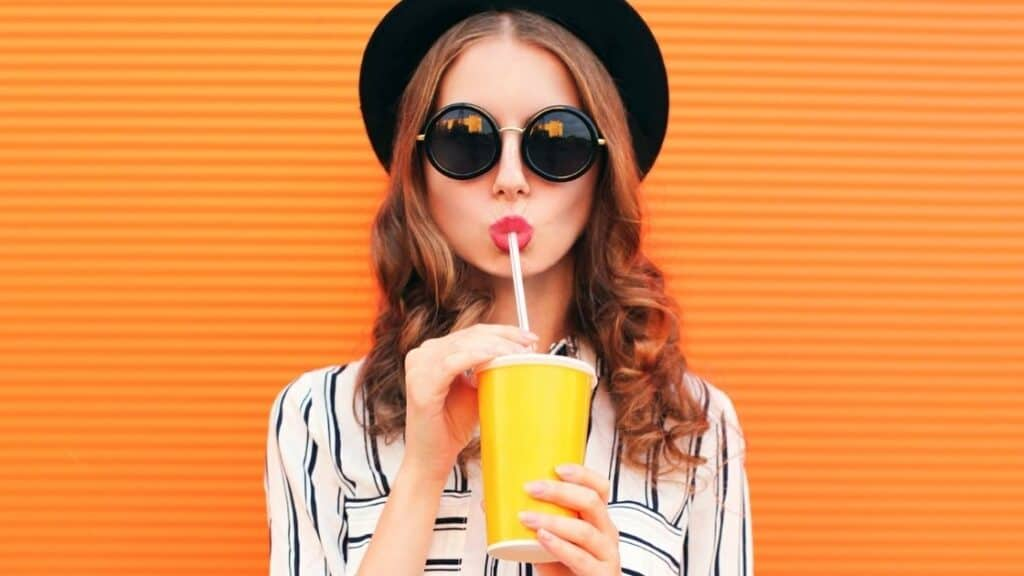Is it better to eat fruit or drink juice