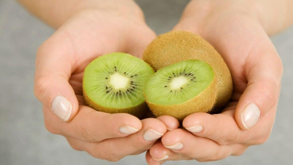 What Vitamins Are in Kiwi Fruit