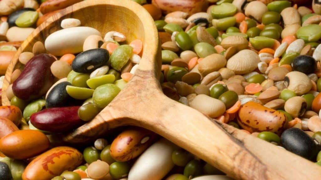 What vitamins are in legumes