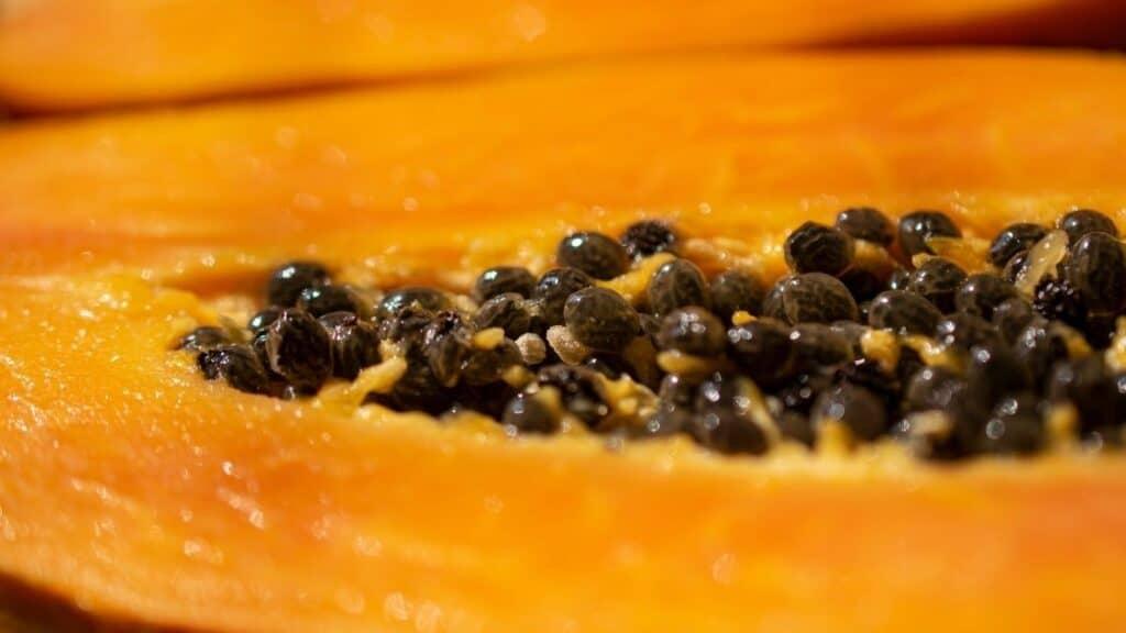 Eating papaya at night is good or bad
